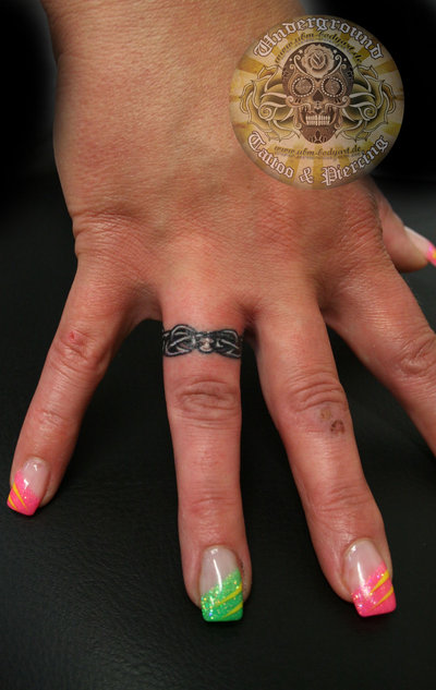 25 beautiful ring finger tattoo designs designcanyon for Wedding ring finger tattoos designs