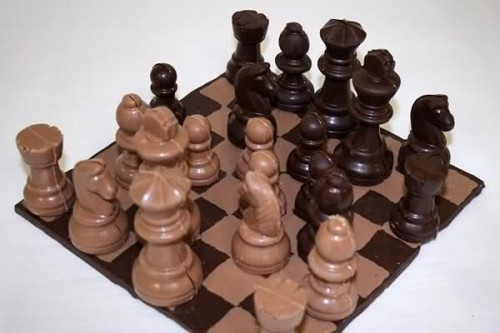 25_Chocolate Chess Set