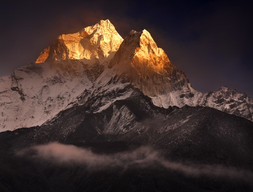 21_Clearing-Storm-over-Ama-Dablam