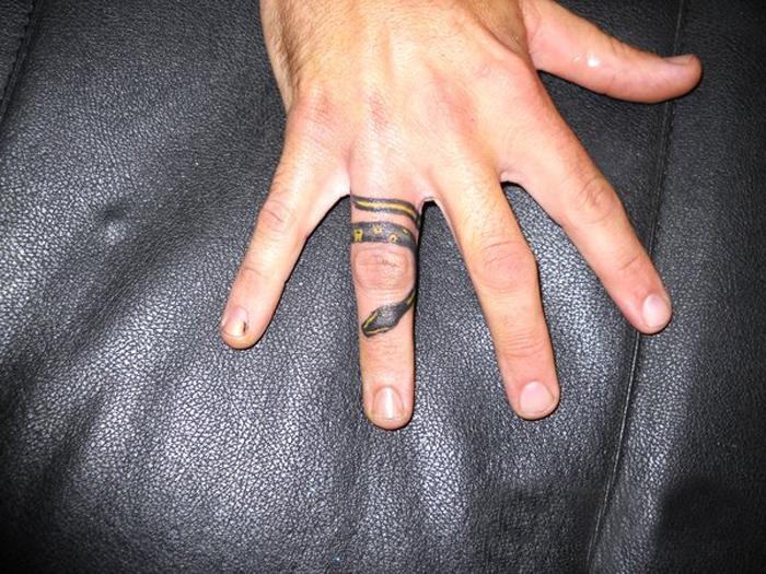 20 Beautiful Ring Finger Tattoo Designs - DesignCanyon