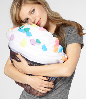 5_Sweet Dreams Cupcake Pillow